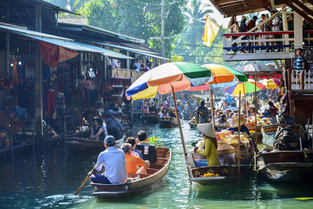 Schwimmender Markt in Bangkok, Thailand